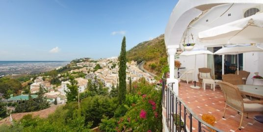 5 Bed Villa in Mijas