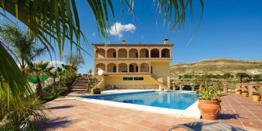 6 Bed Villa in Alhaurín el Grande