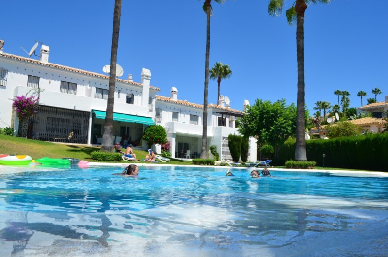 3 Bed Townhouse – Terraced in Riviera del Sol
