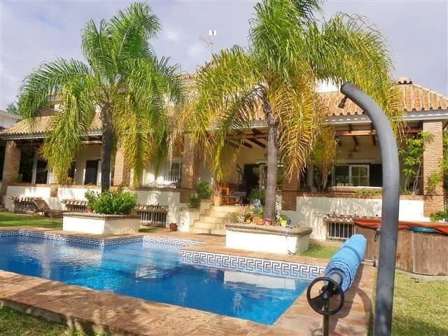 6 Bed Villa – Detached in Carib Playa
