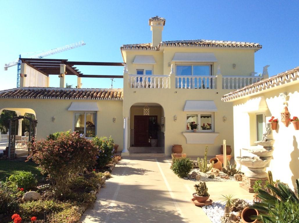 5 Bed Villa – Detached in Marbesa
