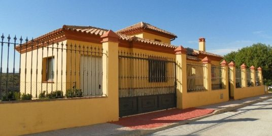 5 Bed Villa in Coín