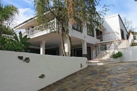 5 Bed Villa in The Golden Mile