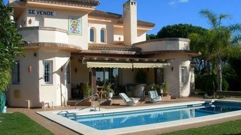 4 Bed Villa in Hacienda Las Chapas
