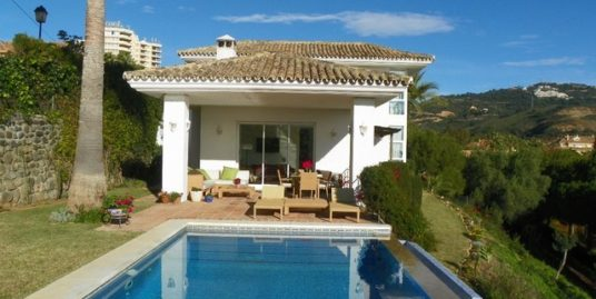 4 Bed Villa in Río Real