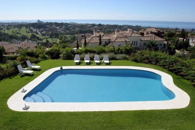 4 Bed Villa in El Paraiso