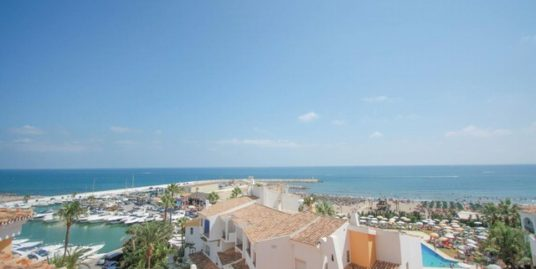 4 Bed Apartment in Puerto de Cabopino