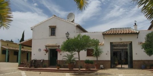 8 Bed Villa in Antequera