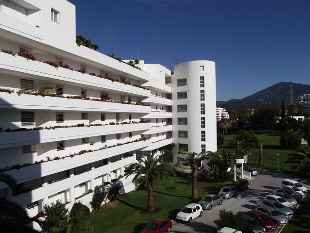 2 Bed Apartment in Guadalmina Alta