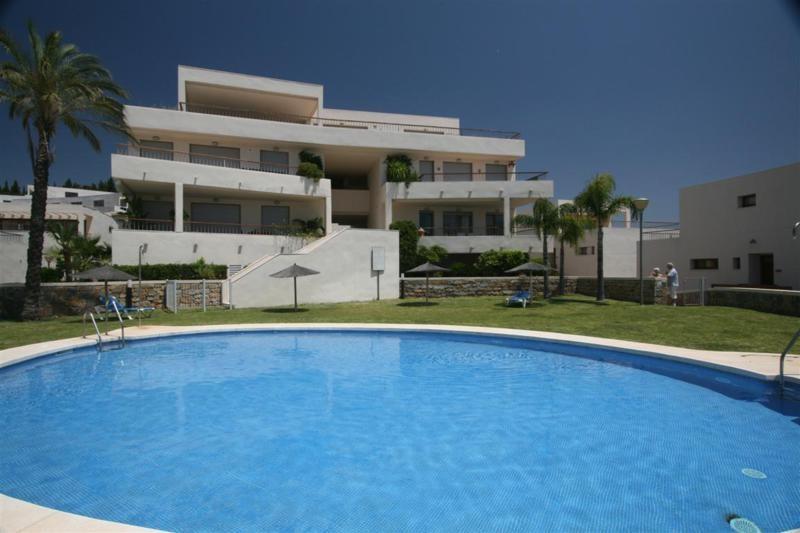 3 Bed Apartment in Altos de los Monteros