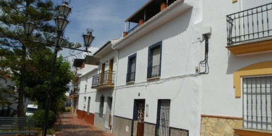 4 Bed Townhouse in Alhaurín el Grande