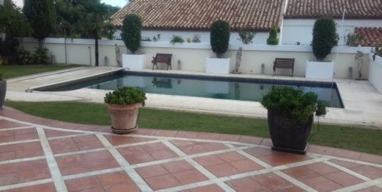 4 Bed Villa in Estepona