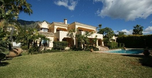 6 Bed Villa in The Golden Mile
