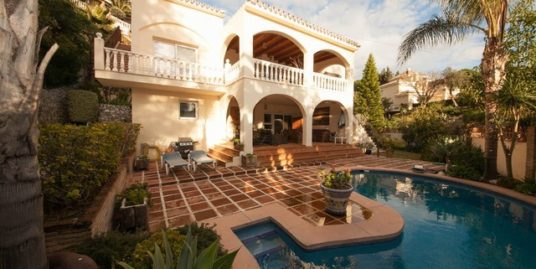 5 Bed Villa in El Rosario