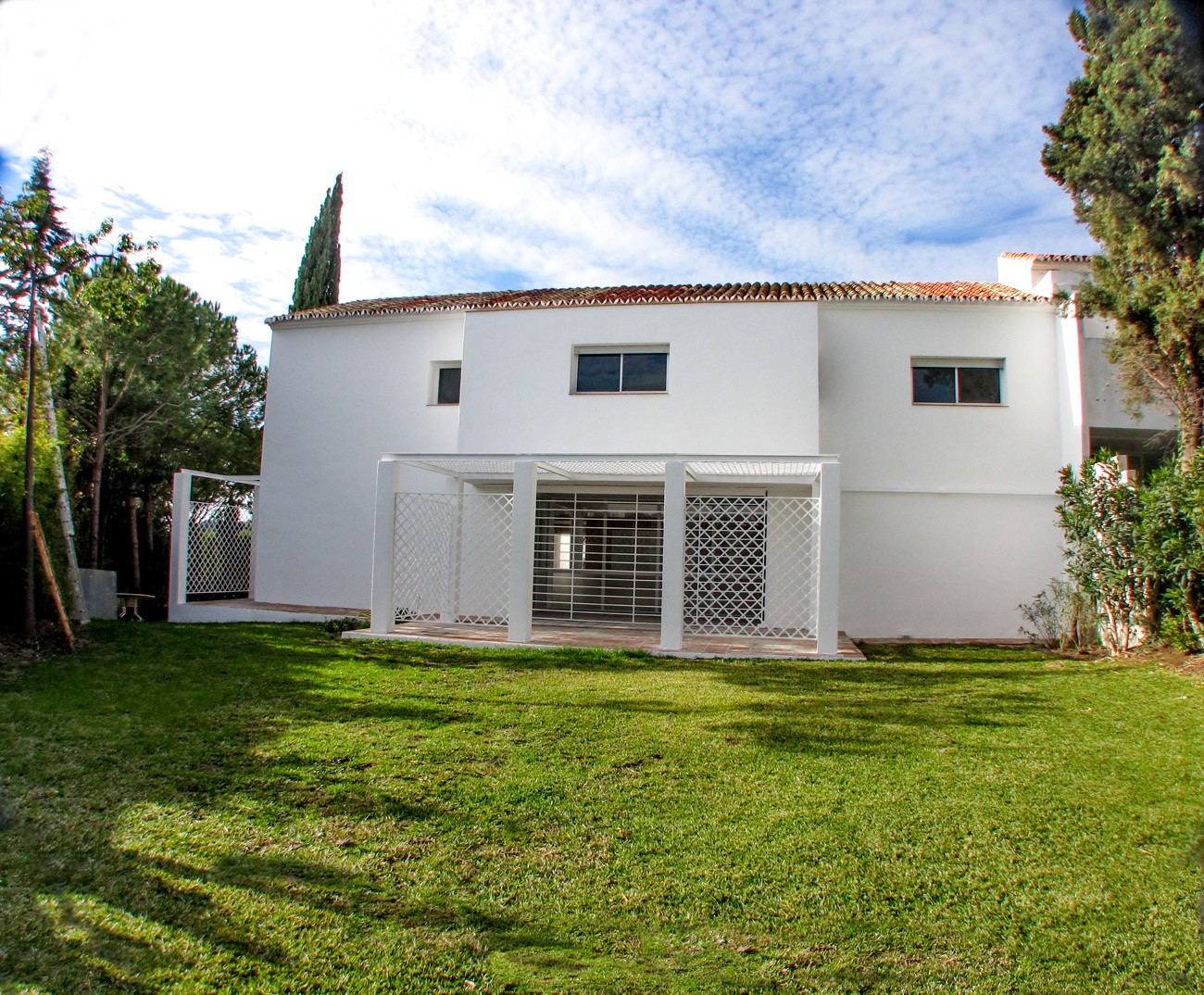 6 Bed Townhouse in Atalaya