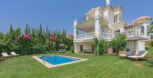 5 Bed Villa in Nueva Andalucía