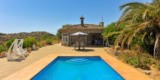4 Bed Villa in Almogía