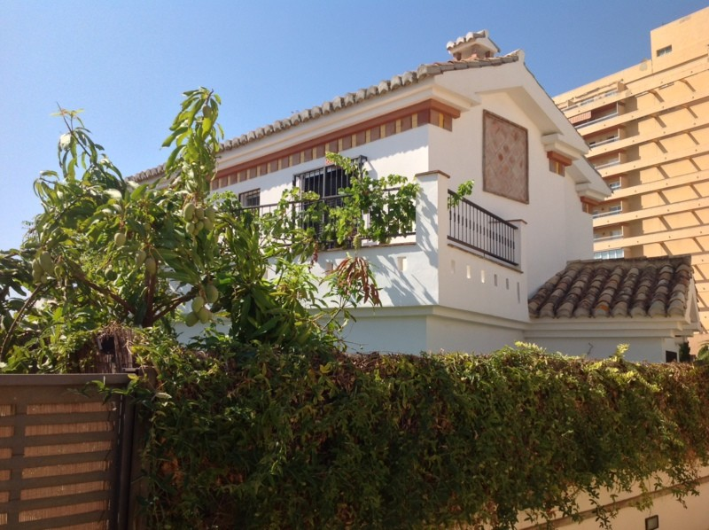 4 Bed Villa in Benalmadena Costa