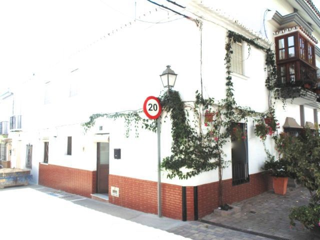 4 Bed Townhouse in Estepona