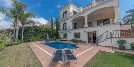 4 Bed Villa in Benahavís
