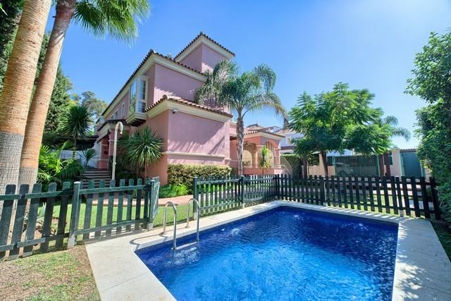 6 Bed Villa in San Pedro de Alcántara