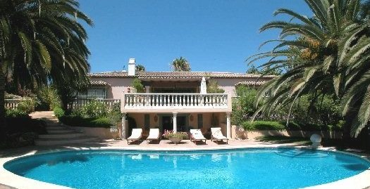 4 Bed Villa in Cancelada