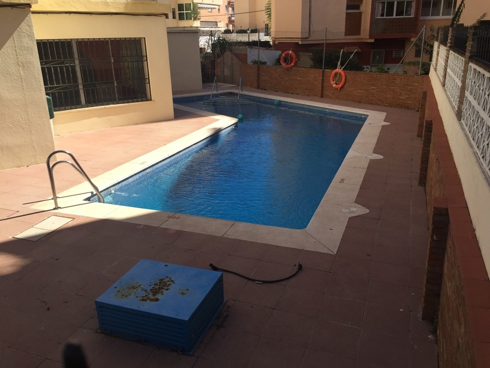 10 Bed Commercial in Los Boliches