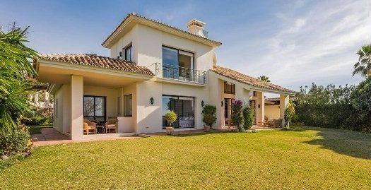 4 Bed Villa in Nueva Andalucía