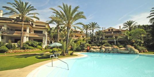 2 Bed Apartment in Los Monteros
