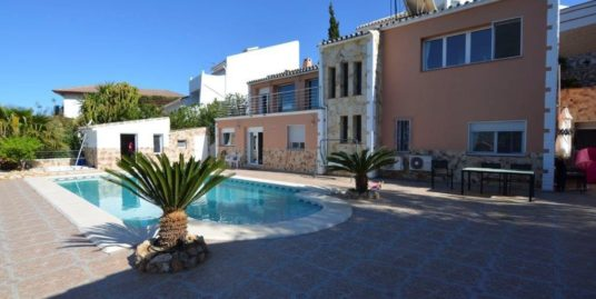 3 Bed Villa in Sierrezuela