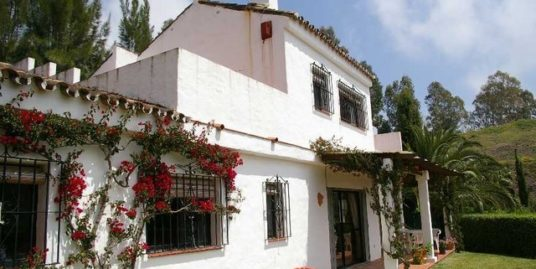 2 Bed Villa in Estepona