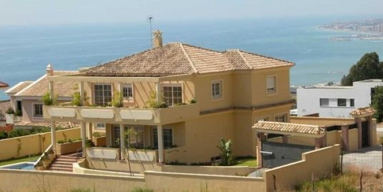5 Bed Villa in Benalmadena