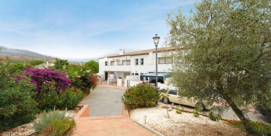 3 Bed Townhouse in El Chorro