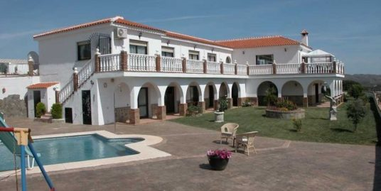 7 Bed Villa in Mijas Costa